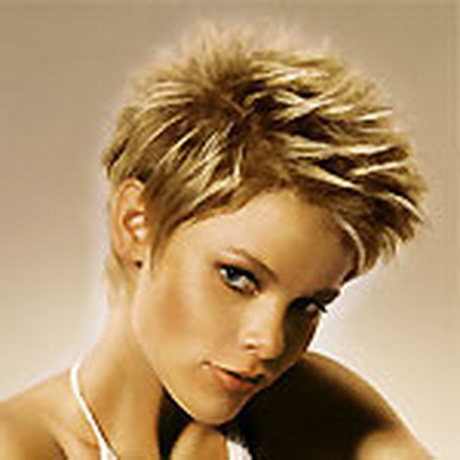 Coiffure courte blonde Carey Mulligan