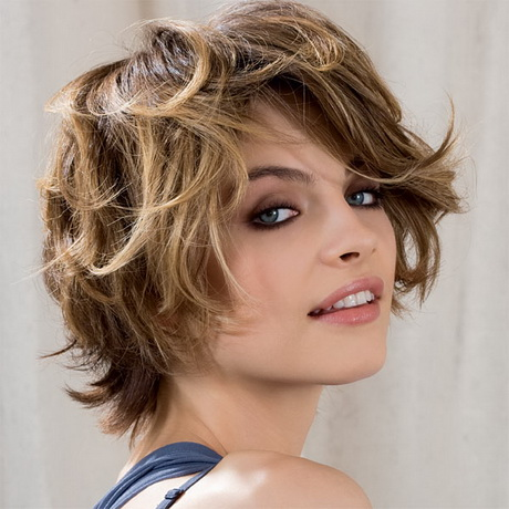 Coupe cheveux courts ondul s - Coupe carre court boucle ...