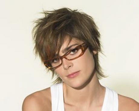 Coupe courte cheveux epais for Coupe cheveux court femme avec lunette