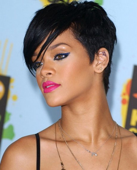 coupe de cheveux de rihanna. Black Bedroom Furniture Sets. Home Design Ideas