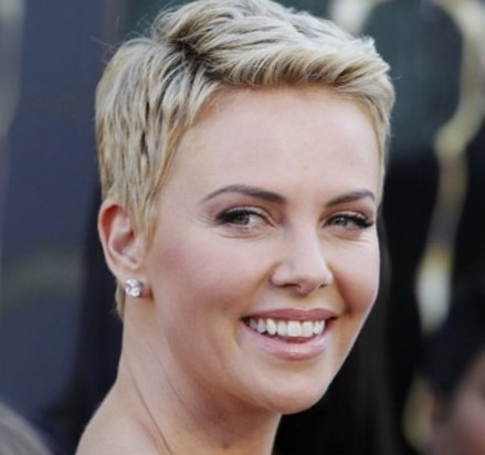 coupe de cheveux femme ultra courte 2017. les âges et conviennent à tous  les styles de femmes. Voici les tendances de la