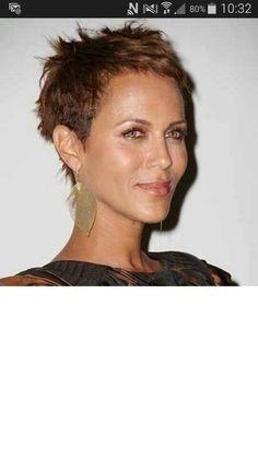 La coiffure du jour  coupe de cheveux femme ultra courte 2017