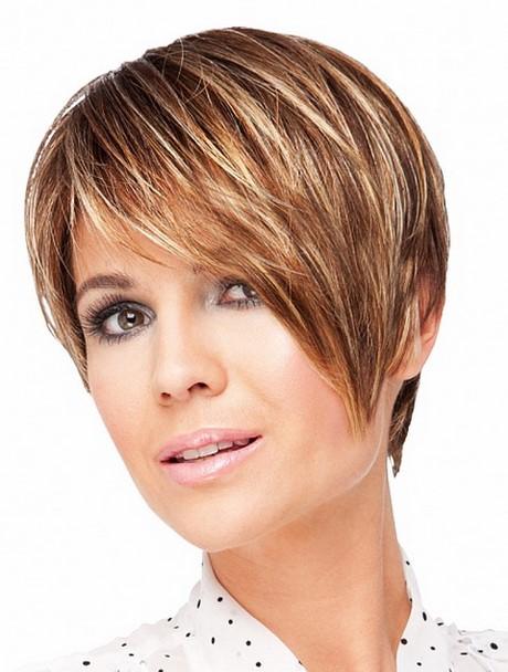 Nouvelle coupe de cheveux pour femme - Make up Xxl
