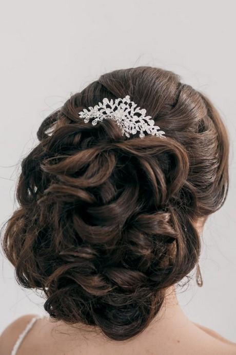 55 idées romantiques de coiffure mariage cheveux longs