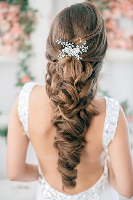 Coupe de cheveux long mariage