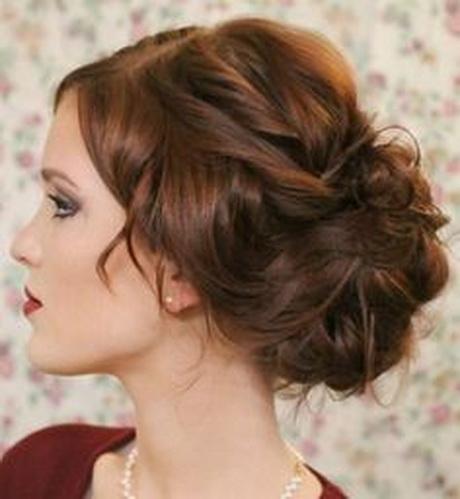 1000 idées sur Chignons De Cheveux Bouclés sur Pinterest