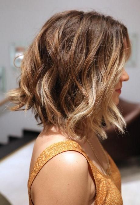Couleur cheveux carre plongeant