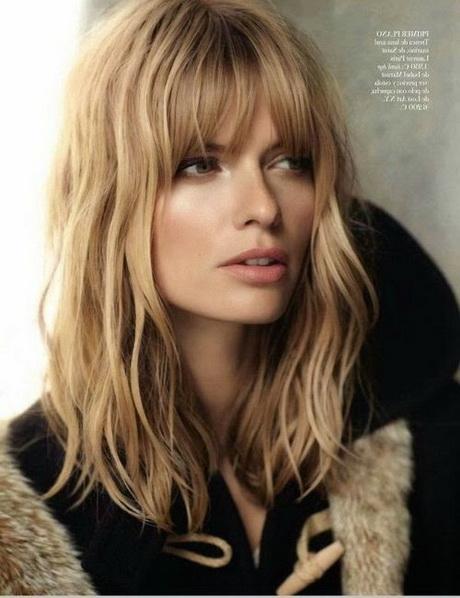 Coiffures cheveux mi longs frange - Coupe de cheveux fille mi long ...