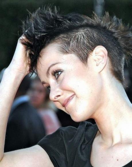 Modele de coiffure tres courte pour femme - Coiffure tres courte femme ...