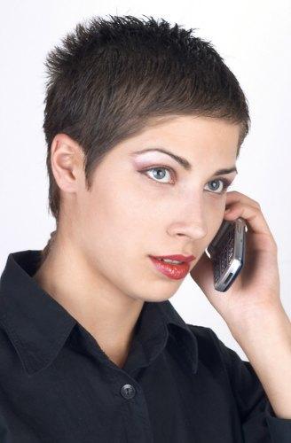 Modele de coiffure tres courte pour femme