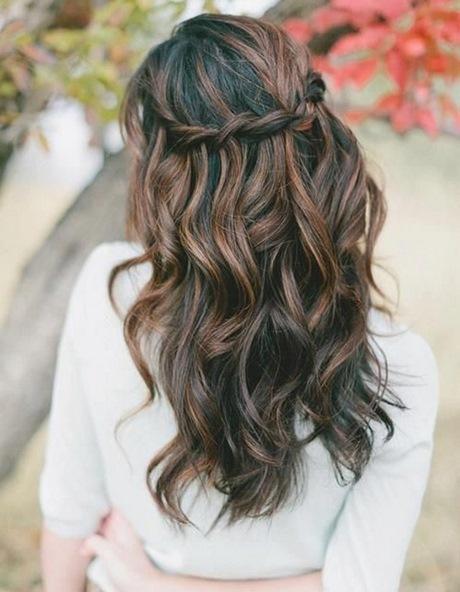 coiffure mariage boucle et tresse