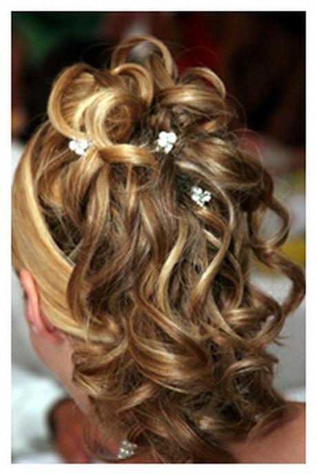 coiffure mariage cheveux mi long attach s. Black Bedroom Furniture Sets. Home Design Ideas