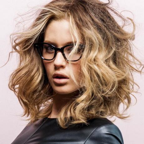 Carru00e9 sauvage coiffure