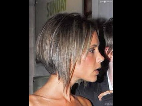 Coiffure cheveux courts carre plongeant for Coupe de cheveux court plongeant