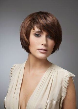 Coupe cheveux carre court femme - Coupe carre court moderne ...