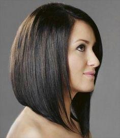 Coupe de cheveux plongeante longue