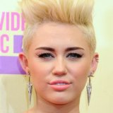 Miley cyrus cheveux court