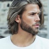 Cheveux long homme coupe