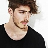 Coiffure homme long dessus