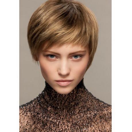 Coiffure courte pour cheveux fins