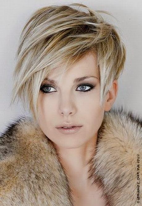 Nouvelle coupe de cheveux courte femme