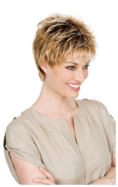 Modele coupe de cheveux tres court femme