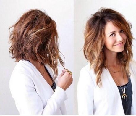 Carré plongeant cheveux frisés photos