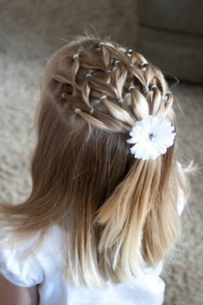 Coiffure Mariage Petite Fille Cheveux Court