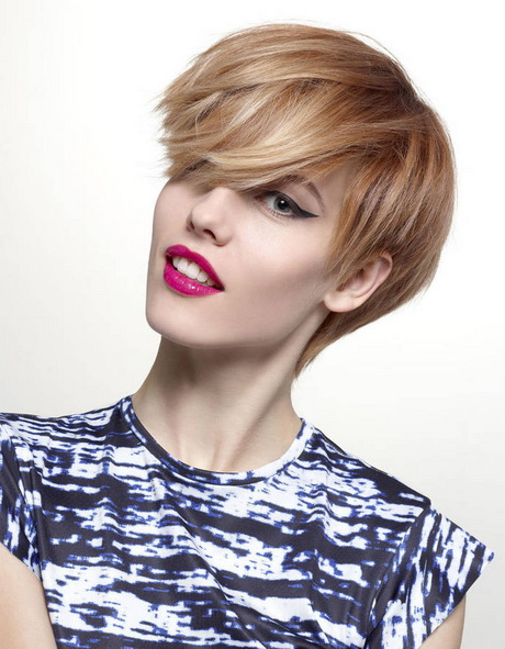 Coupe courte blonde 2016