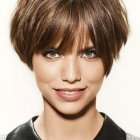 Coiffure modele cheveux courts