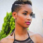 Coiffure afro femme court